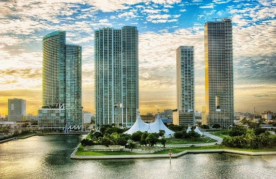 Miami, with its skyscrapers, is one of the cities that are becoming cradles of entrepreneurship.
